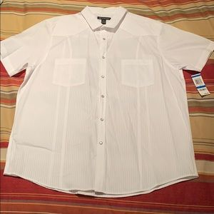 INC short sleeve shirt and snap buttons